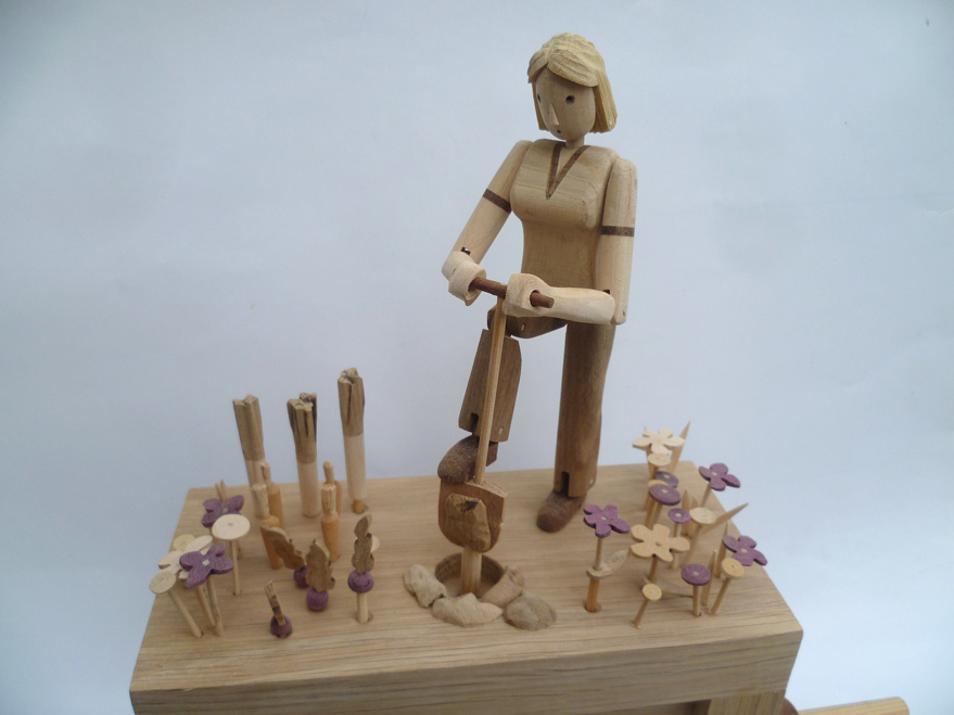 Garding Automaton - Wanda Sowry